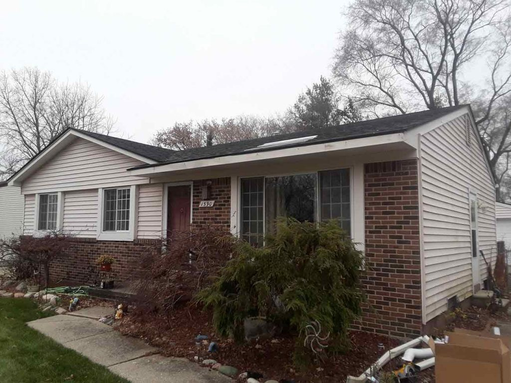 Seamless Gutters and Gutter Guard Installation - Before